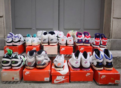 huge selection of a403b 4d36e ... Exposition   Air Trainer Pedia - Ugly Mely Fete Ses 5 Ans Le sneakers  ...